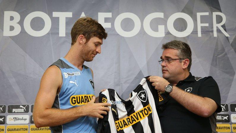 Justiça dá prazo de 24 horas para Botafogo pagar R$ 2 milhões a Bolatti