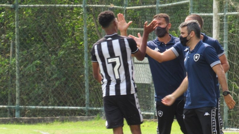 Botafogo x Bangu - Carioca Sub-15