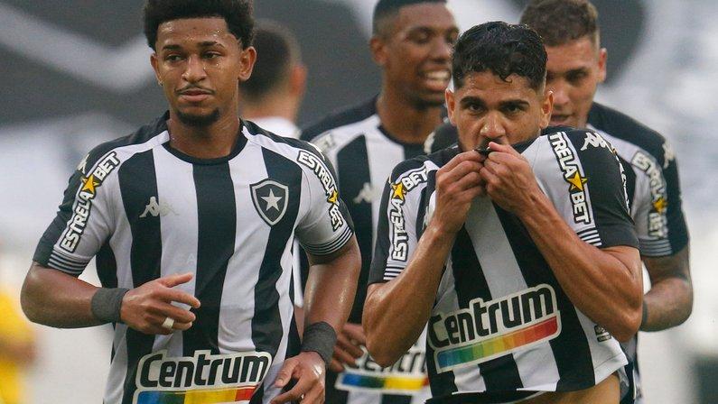 Botafogo põe quatro na seleção da galera da 23ª rodada da Série B; Cruzeiro domina