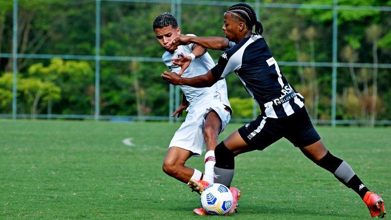 Ênio - Botafogo x Fluminense - Campeonato Brasileiro Sub-20