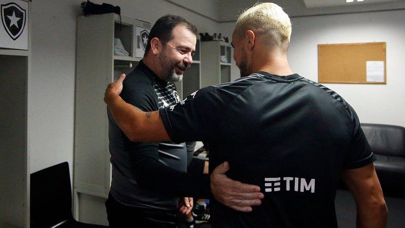VÍDEO: Botafogo divulga imagens inéditas do primeiro dia de Rafael e recepção de Enderson