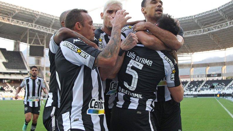 Matemático põe 64 pontos como número mágico para acesso: 'Botafogo sobe com mais seis vitórias'