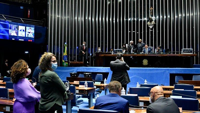 Sessão de análise de vetos no Senado Federal