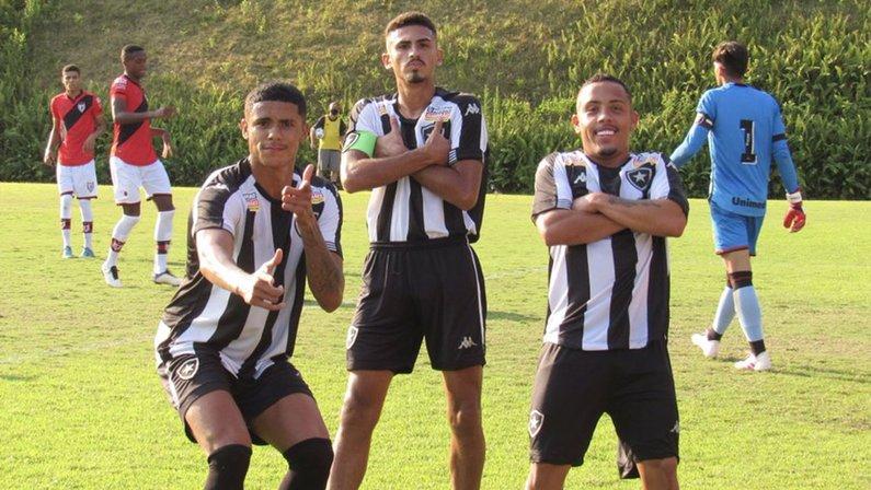 Gol de Juninho - Botafogo x Atlético-GO - Campeonato Brasileiro Sub-20