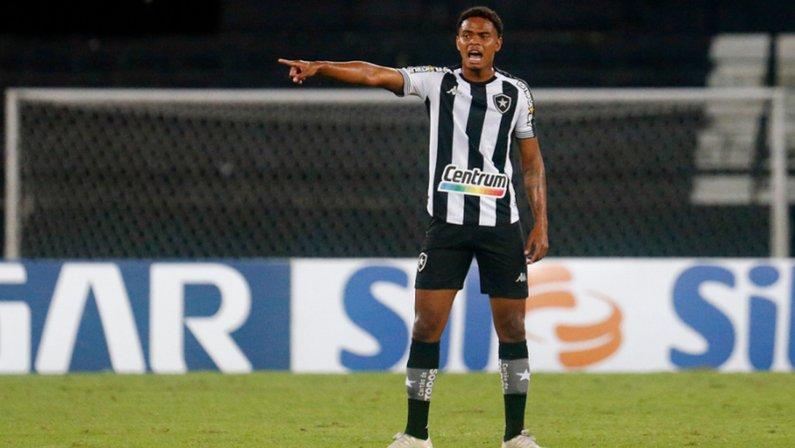 Lucas Mezenga em Botafogo x Náutico   Série B do Campeonato Brasileiro 2021