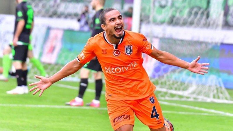 Rafael, ex-Istanbul Basaksehir, negocia com o Botafogo