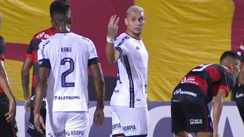 Rafael Navarro em Vitória x Botafogo   Série B do Campeonato Brasileiro 2021