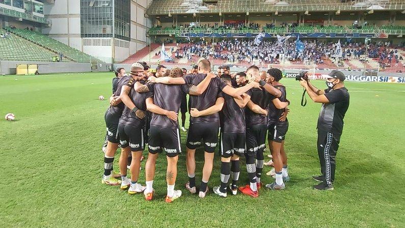 Elenco do Botafogo em jogo com Cruzeiro