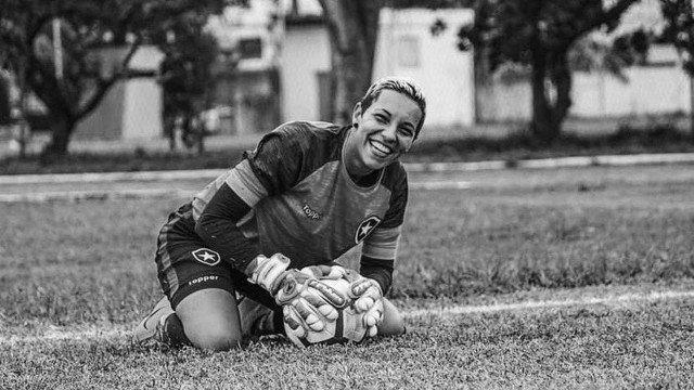 Carol Aquino, ex-goleira do Botafogo, falece
