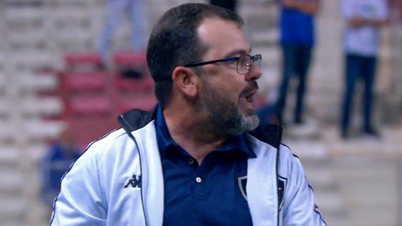 Enderson Moreira em Cruzeiro x Botafogo   Série B do Campeonato Brasileiro 2021